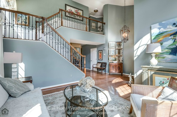 Reston VA Real Estate Properties for Sale - The bright and spacious living area of this Reston VA home is perfect for relaxation and entertaining.