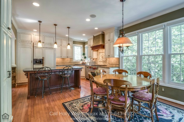 Homes in Reston VA - This beautifully upgraded Reston VA home for sale ensure the best of comforts and conveniences.