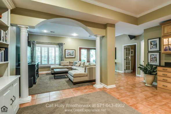 Reston VA Homes - Space, luxury, and fantastic nature views are yours to enjoy in this Reston VA home for sale.