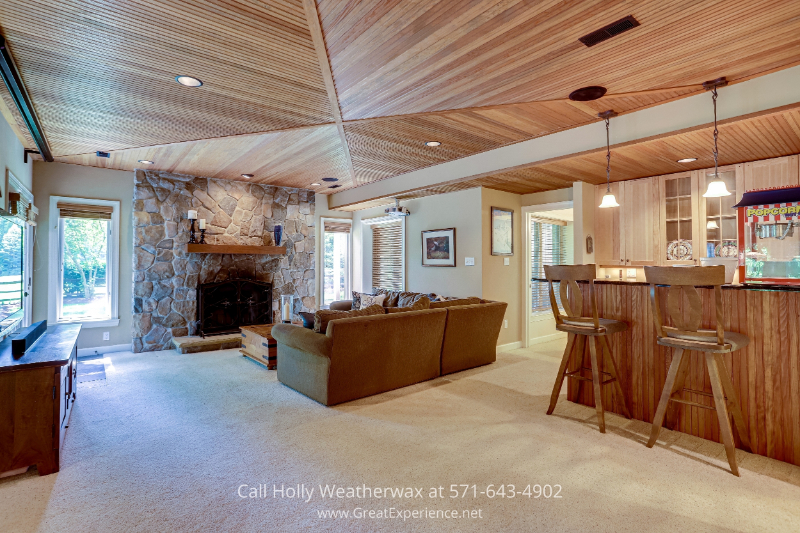 Reston, VA home for sale - Enjoy movie nights with the whole family in your own basement family room in this Reston, VA property