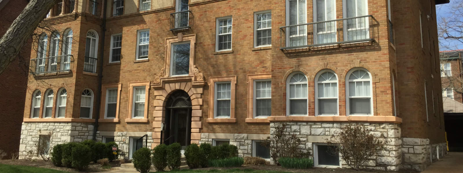 Clayton Condos For Sale In Clayton Mo 63105 Updated Daily