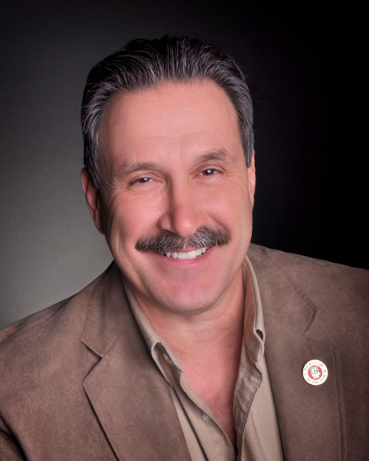 Frank Smedley, Broker Associate